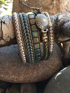 Bracelet Knots, Beaded Wrap Bracelets, Seed Bead Bracelets, Bangle Bracelets, Leather Jewelry, Boho Jewelry, Beaded Jewelry, Leather Cord, Jewelery