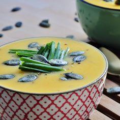 Sweet Potato Cauliflower Soup Recipe - Healthy, Vegan, and Gluten free Soup recipe! ~VeganFamilyRecipes.com #Clean Eating #paleo