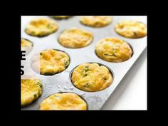 Ham and cheese baked egg cups are the ideal, protein packed low carb breakfast that can be made ahead and quickly reheated on busy weekday mornings. Muffin Tin Breakfast, Eggs In Muffin Tin, Protein Packed Breakfast, Breakfast On The Go, Low Carb Breakfast, Breakfast Recipes, High Protein Recipes, Low Carb Recipes, Cooking Recipes