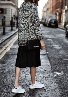 Sam SMith sneakers, sweater and skirt perfect street style