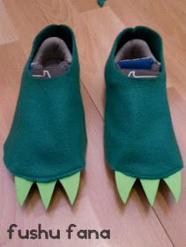 Felt Dragon Feet for costume Diy Dragon Costume, Diy Dinosaur Costume, Dino Costume, Baby Costumes, Dinasour Costume, Dinosaur Dinosaur, Alligator Costume, Crocodile Costume, Last Minute Halloween Kostüm