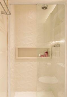 Washroom Design, Toilet Design, Bathroom Design Luxury, Bathroom Design Small, Modern Bathroom, Home Interior Design, 4 Bedroom House Designs, Home Entrance Decor, Hotel Room Design