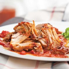 Recipe: Baked Pork or Slow Cooker Pork- Mix all the ingredients to form a barbecue sauce. Coat the pork with salt and pepper. At the bottom of the slow cooker, place slices of raw onions. Add meat and sauce … - Pork Recipes For Dinner, Italian Dinner Recipes, Meat Recipes, Slow Cooker Recipes, Cooking Recipes, Beef Skillet Recipe, Sauce Barbecue, Healthy Recepies, Braised Pork