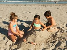 After playing in sand at the beach or in a sandbox, kids with SPD will want that sand gone and gone fast. Sprinkling baby powder on your child is a great way to easily brush off all that sand!