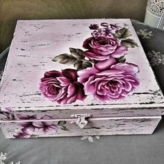 Home love faith family scrap wood Decoupage Vintage, Decoupage Wood, Decoupage Furniture, Painted Boxes, Wooden Boxes, Cigar Box Crafts, Altered Cigar Boxes, Pretty Box, Painted Wine Glasses
