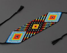 Beaded jewelry for every day di StrawberryShopGifts su Etsy Bead Loom Designs, Beadwork Designs, Bead Loom Patterns, Beaded Cuff Bracelet, Seed Bead Bracelets, Beaded Jewelry, Native Beading Patterns, Aztec Designs, Loom Beading