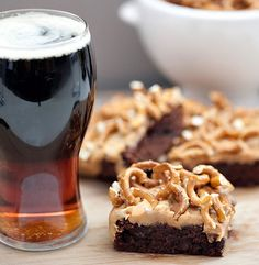 Guinness Stout Brownie Pretzel Bars | 40 DIY Father's Day Gift Ideas