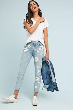 Slide View: 7 For All Mankind Edie High-Rise Straight Jeans Painted Denim Jacket, Painted Jeans, Painted Clothes, Diy Jeans, Diy Clothes Jeans, Women's Jeans, Jean Diy, Jean Parfait, Denim Fashion