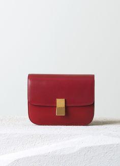 MEDIUM CLASSIC HANDBAG IN RED BOX CALFSKIN 24 X 18 X 6 CM (9 X 7 X 2 IN) CALFSKIN AND LAMBSKIN LINING 164173DLS.27ED 2.500 EUR