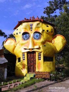 Uruguayan artist Joseph H. Bentz built in Punta del Diablo, Uruguay. I could live in this. I really could.