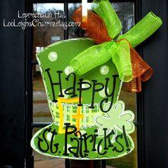 Leprechaun Hat Door Hanger, happy st patricks door hanger, DIY crafts ideas, st patricks photos   #st  #patrick #craft #decor #ideas www.loveitsomuch.com