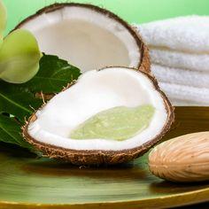 DIY-Kosmetik-Rezept für selbst gemachtes Kokosöl Peeling aus nur 3 Zutaten - entfernt sanft abgestorbene Hautschuppen ...