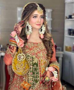 Latest Bridal Dresses, Fancy Wedding Dresses, Asian Bridal Dresses, Bridal Outfits, Simple Mehndi Dresses, Bridal Mehndi Dresses, Bridal Dress Design, Pakistani Party Wear Dresses, Designer Party Wear Dresses