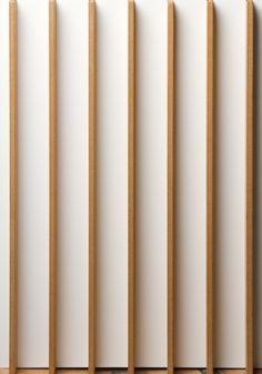 Ξύλινο Πάνελ για την Επένδυση Οροφής, κατασκευασμένο από MDF και ενσωματωμένες λωρίδες σε αρμούς ανά τακτά διαστήματα.