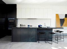 Идеи кухонь в черном в интерьерном блоге DESVINTER.RU