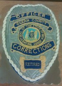 law enforcement - corrections cake  officer's badge!    creative cakes