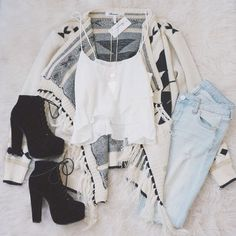 Find out our simple, confident & just cool Casual Fall Outfit inspiring ideas. Get influenced with one of these weekend-readycasual looks by pinning the best looks. casual fall outfits for teens Mode Outfits, Outfits For Teens, Casual Outfits, Fashion Outfits, Fashion Scarves, Girl Outfits, Looks Teen, Mode Inspiration, Look Fashion