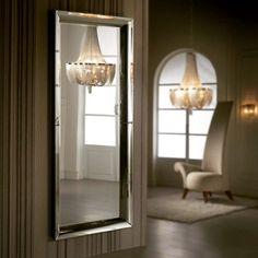 Garderobespeil med ramme i speil, modell IRINA. #speil #garderobespeil #glass #interior #interiør #interiormirame #interiørmirame #design #stue #gang #dekor #interiørpånett #nettbutikk #mirameinteriørogdesign #lysekrone