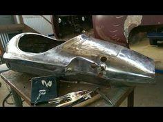 George Voyatzis building a custom Fidusa bike frame with Columbus chromoly tubing. Ο Γιώργος Βογιατζής κατασκευάζει ένα χειροποίητο σκελετό ποδηλάτου Fidusa ...