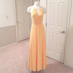 Ann Taylor goddess maxi dress this is one of those dresses that looks stunningly beautiful on all skin tones. It has been worn only one time and was professionally dry cleaned so it is in pristine condition. Necklace in last photo sold separately Ann Taylor Dresses Maxi