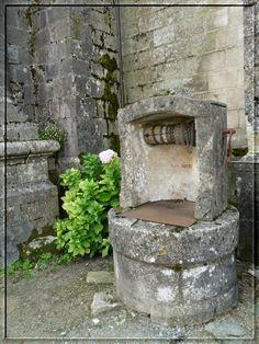 0016 Fountain, Outdoor Decor, Vintage, Home Decor, Violets, Parma, Camargue, Masks, Hands