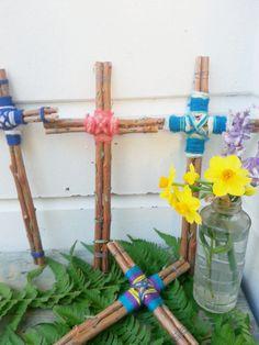 folk art Easter cross twig cross by Pineneedlesweetgrass on Etsy