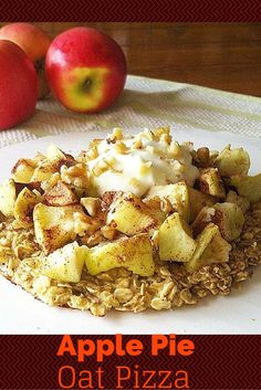 #healthy Amazing Apple Pie Oat Pizza! Such a tasty and #guiltfree breakfast! So easy to make! You will LOVE this!!!