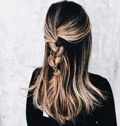 pinterest: chandlerjocleve instagram: chandlercleveland Gorgeous Hair, Hair Hacks, Half Braid, Fishtail Plaits, Hairstyles Haircuts, Messy Hairstyles, Pretty Hairstyles, Hairstyle Braid, Face Shape Hairstyles