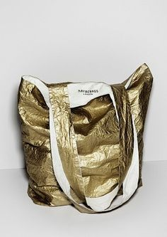 gold tyvek - maybe bags Beautiful Bags, Purses And Bags, Mcm Bags, Bags Uk, Bag Making, Fashion Bags, Leather Bag, Fashion Accessories, Kate Spade