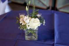 Tafelvaasje, leuk om de statafel mee aan te kleden Glass Vase, Home Decor, Interior Design, Home Interior Design, Home Decoration, Decoration Home, Interior Decorating