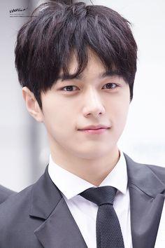 all for myungsoo Asian Actors, Korean Actors, Short Hair For Boys, Kim Myungsoo, Yoon Eun Hye, Lee Sungyeol, Kim Sung Kyu, Monsta X Hyungwon, Woollim Entertainment