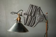 Industrial Herald Accordion Task Light : Factory 20