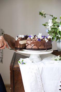 Obłędny sernik czekoladowy Cake, Desserts, Creative, Tailgate Desserts, Deserts, Kuchen, Postres, Dessert, Torte