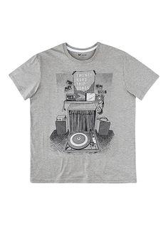 estampa localizada   camiseta masculina Camisetas Masculinas ba42421f437