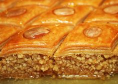 No not Baklava, we say Baklawa/Lebanese Cookie Desserts, Dessert Recipes, Tunisian Food, Middle East Food, Algerian Recipes, Ramadan Recipes, Arabic Food, International Recipes, Food Inspiration