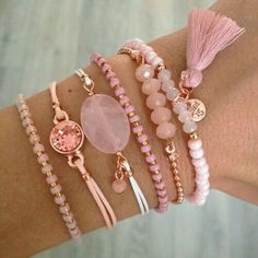 Costume Jewelry 2017 - Pink Bracelets with Rose Gold - - jewelry Cute Jewelry, Jewelry Crafts, Beaded Jewelry, Jewelry Accessories, Jewelry Design, Beaded Bracelets, Jewelry Logo, Jewelry Trends, Gold Jewelry