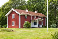 Scandinavian House, Sweden House, Red Houses, Rustic Homes, Clematis, My Dream, Villa, Farmhouse, Cottage