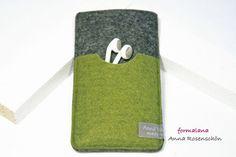 Handy Hülle grün grau Filz Tasche Kopfhörer für von AnnaRosenschoen