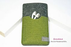 case smartphone felt green anthracite headphone by MissWoolightly