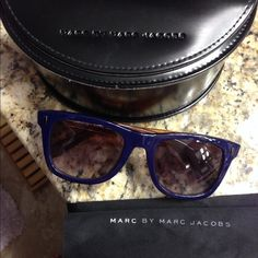 🔹price drop🔹 Marc by Marc Jacobs sunglasses Gorgeous worn once retro way fair Marc by Marc Jacobs 100% authentic purchased at neiman Marcus in September. Dark blue with orange sides. Come with original case and dust cloth Marc by Marc Jacobs Accessories Sunglasses