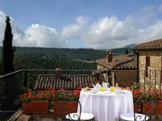 Casa Bianca is an authentic Century manor house close to Crete Senesi in the Tuscan countryside. Beautifully rustic, the traditional surroundings a . Italian Wedding Venues, Tuscan Furniture, Maps Street View, Italian Wine, Close To Home, Romanesque, Siena, Tuscany, Countryside