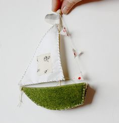 little felt boats : a sewing pattern by annwood on Etsy