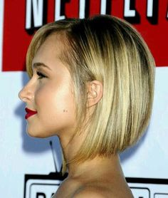 Short Bob Hairstyles Front Back photo: hayden-panettiere-netflix. This is the length of my hair. Needed something different but I already miss my long hair. Sleek Hairstyles, Short Bob Hairstyles, Pretty Hairstyles, 2015 Hairstyles, Stacked Hairstyles, Hairstyles For Double Chin, Black Hairstyle, Pixie Haircuts, Celebrity Hairstyles