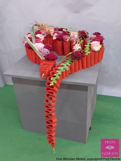 1 million+ Stunning Free Images to Use Anywhere Ikebana Arrangements, Modern Flower Arrangements, Valentine Decorations, Flower Decorations, Art Floral, Floral Design, Fleur Design, Free To Use Images, Valentines Flowers