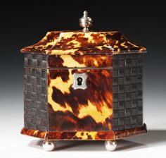 kathryn crisp greeley north carolina interior designer and author of the collected tabletop presents tortoise shell antique boxes Decorative Accessories, Decorative Boxes, Shell Collection, Tea Canisters, Teapots And Cups, Tea Caddy, Antique Boxes, Pretty Box, Antique Auctions