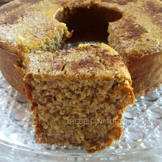 Discover our quick and easy recipe from Cupcake to Cook Expert on Current Cooking! Food Cakes, Cupcake Cakes, Bolos Light, Almond Flour Pancakes, Healthy Cake, Pound Cake Recipes, Sweet Desserts, Quick Easy Meals, Banana Madura