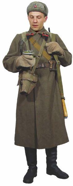 Soviet senior NCO artillery commander 1940-43 in shinel greatcoat.