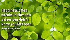 Zostawiamy otwarte drzwi...  i właśnie wtedy, w najmniej spodziewanym momencie, szczęście wchodzi przez nie. Kiedy te drzwi się uchylają? Wtedy, kiedy jesteśmy otwarci na ludzi, na nowe cele, kiedy wyrażamy swoją wdzięczność i dzielimy się radością z innymi!  Dziś szczęście uśmiechnie się do Ciebie! Podziel się nim z innymi! smile emoticon  #IlonaBMiles #happiness #szczęście #radość #życia #piękny #dzień