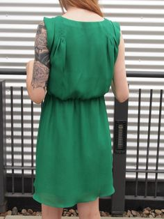 Green silk dress from Makes the things -- Vogue 1344