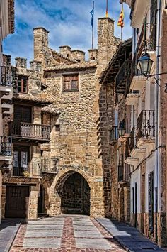 Discover the most beautiful places in Toledo, Spain with our Bespoke Tours Great Places, Places To See, Beautiful Places, Places Around The World, Around The Worlds, Belle Villa, Spain And Portugal, Spain Travel, Places To Travel